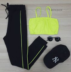 You are in the right place about lazy outfits for teens Here we offer you the most beautiful picture Cute Lazy Outfits, Cute Swag Outfits, Sporty Outfits, Retro Outfits, Stylish Outfits, Girls Fashion Clothes, Teen Fashion Outfits, Outfits For Teens, Dope Fashion
