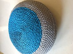 Puff em trapilho, crochet