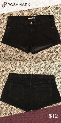 Black denim shorts Gently worn! From Forever 21. Comfortable black denim shorts. Let me know if you have any questions! Price is negotiable!!! Forever 21 Shorts Jean Shorts
