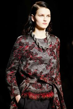 Dries Van Noten Fall 2015 Ready-to-Wear Fashion Show Details