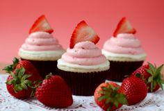 strawberry white chocolate cake #cupcake