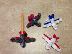 Rainbow Loom 3D Jumbo Jet Airplane. Charms Subscribe ❤️❤️ http://m.youtube.com/user/LoomingWithCheryl