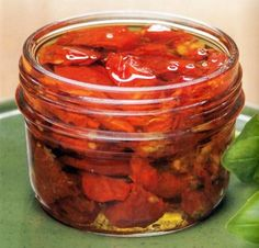 Sütőben szárított paradicsom Pickles, Cucumber, Salsa, Jar, Vegan, Ethnic Recipes, Food, Essen, Salsa Music