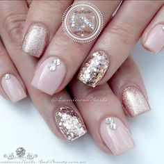 The advantage of the gel is that it allows you to enjoy your French manicure for a long time. There are four different ways to make a French manicure on gel nails. Gel Overlay Nails, Acrylic Overlay, Soft Pink Nails, Luminous Nails, Hard Gel Nails, Manicure, Pretty Nail Designs, Nagel Gel, Accent Nails