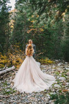 Ideas for a romantic vow renewal in nature   Nhiya Kaye Photography: nhiyakayephotography.com
