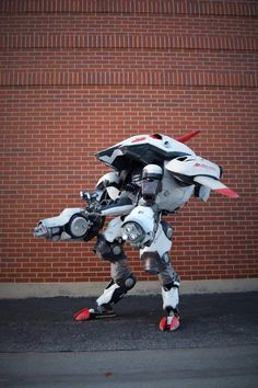 Awesome Overwatch Dva Mech Cosplay by Gryphon's Gears