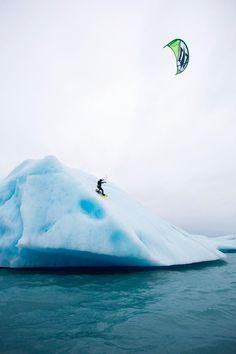Kitesurf Alaska. Between glaciers and killer whales.