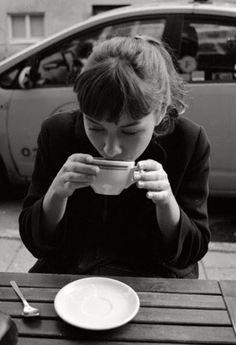 Anna Karina style coffee. Drinking big cups of coffee like in the 50's #CoffeeDrinks