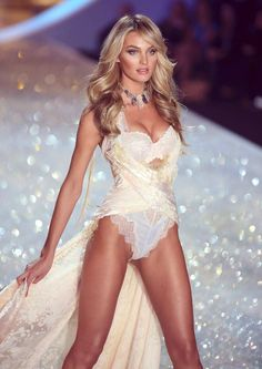 Candice Swanepoel VSFS 2013