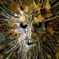 15 Scary Halloween Wreaths That Will Spook Your Guests