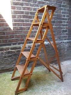 FAB VINTAGE INDUSTRIAL GPO WOODEN DISPLAY SHELVING STEP LADDER