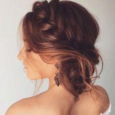 ❤️ By  @ulyana.aster . . . . . .  #sauditrends#trends#fashion#تسريحات#مكياج#فاشن#celine#chanel#louboutinworld#Fashion #saudiwomen #فاشن#ستايل#فاشن#SaudiStyle#trend#saudipride#Tutorial#hudabeautylipcontour#hudabeauty