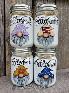 Mason Jar Art, Mini Mason Jars, Mason Jar Gifts, Jar Crafts, Bottle Crafts, Rock Painting Designs, Painted Mason Jars, Crafts To Sell, Creations