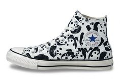 Whoever buys these shoes, must have a serious love for pandas