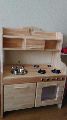 Diy Kids Kitchen, Kitchen Sets For Kids, Mud Kitchen, Cardboard Kitchen, Wooden Toy Kitchen, Wooden Toy Cars, Wood Toys, Wooden Pallet Furniture, Kids Furniture