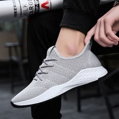 buy online e5dc4 d8dc0 Men s New Breathable Flyknit Running Shoes Trend Lightweight Sports Shoes  Turnschuhe Nike, Nike Free,