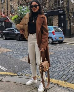 30 Super Classy & Trendy Outfit Inspirations for this year # 2019 , 30 Super Classy & Trendy Outfit Inspirations To Wear This Year , Street Style Outfits Source by untiltheverytrend Mode Outfits, Fashion Outfits, Fashion Trends, Fashion Ideas, Fashion 2017, Fall Winter Outfits, Autumn Winter Fashion, Classy Outfits, Casual Outfits