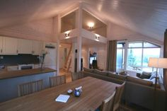 Derfor er limtre et fantastisk byggemateriale - Byggmakker+ Conference Room, Cottage, Cabin, Furniture, Home Decor, Decoration Home, Room Decor, Cabins, Meeting Rooms