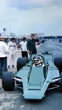 Carlos Reutemann testing the Mario Andretti looks on. Maserati, Ferrari, Audi, Bmw, Mv Agusta, F1 Racing, Drag Racing, Motogp, Ducati