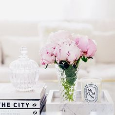 My favorite flowers.  Bedroom Ottoman, Flower Lights, Best Credit Cards, Classic Furniture, Living Room Kitchen, Dream Decor, Pink Flowers, Table Decorations, Pretty