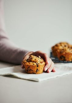 Francoise muffins (oatmeal, dates & grapes – Tables and desk ideas Healthy Sweets, Raisin, Scones, Banana Bread, Biscuits, Sweet Tooth, Oatmeal, Food Porn, Brunch