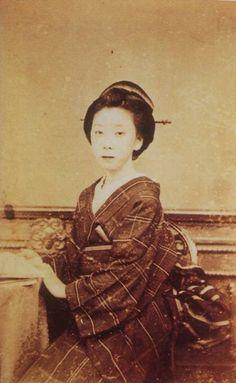 2位:お龍(坂本龍馬の妻)の写真(ガチで美人過ぎる幕末女性ランキング) | 幕末ガイド