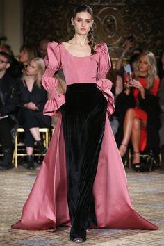 #ChristianSiriano   #fashion #Koshchenets    Christian Siriano Fall 2017 Ready-to-Wear Collection Photos - Vogue