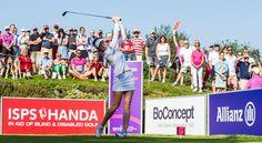 Sandra Gal spielt bei den ISPS Handa Ladies European Masters um den Sieg. Mit ihrer bislang besten Runde von 66 Schlägen (sechs unter Standard) und insgesamt 208 Schlägen (-8) schob sie sich am Samstag bis auf einen Schlag an der gemeinsam führenden Lee-Ann Pace (Südafrika) und Belen Mozo (Spanien) heran, die insgesamt 207 Schläge (-9) aufweisen.
