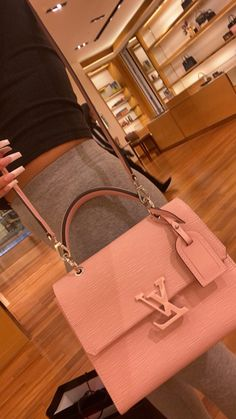 Cute Handbags, Vintage Handbags, Purses And Handbags, Luxury Purses, Luxury Bags, Cute Purses, Vuitton Bag, Cute Bags, Beautiful Bags