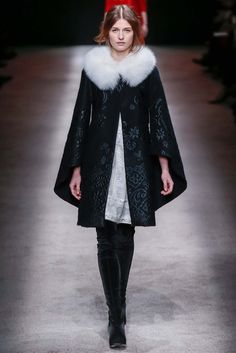 Alberta Ferretti Fall 2015 Ready-to-Wear - Collection - Gallery - Style.com  The Alberta Ferretti show was big--50 looks were sent down the runway! Despite this, its's super-dissapointing that the show booked just 1 black model seen only once during the show. Tsk, tsk.  http://www.style.com/slideshows/fashion-shows/fall-2015-ready-to-wear/alberta-ferretti/collection/2