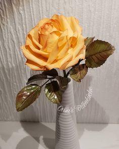 Sugar Flowers, Vase, Home Decor, Homemade Home Decor, Interior Design, Jars, Home Interiors, Vases, Decoration Home