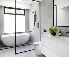 A century-old Elsternwick home received a modern renovation Bathroom Renos, Bathroom Layout, Modern Bathroom Design, Bathroom Interior Design, Bathroom Renovations, Small Bathroom, Home Remodeling, Bathroom Ideas, Shower Ideas