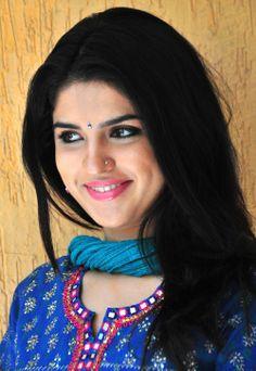 Hot Deeksha Seth  Image 13897 - more at http://modell.photos Topmodel Catwalk 2014 Fashion @modell.photos