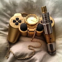 Vaping and gaming with class