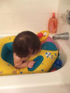 하우스 단지의 수영장이 부럽다면?? 집 욕조에서 수영을 즐겨라!! ㅋ