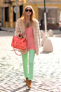 Super how to wear green jeans color combos Ideas The Blonde Salad, Mint Green Outfits, Celine, Mint Pants, Beautiful Outfits, Cute Outfits, Green Jeans, Denim Trends, Gourmet