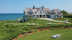 Duckham-Fea-Ext-Front-High by Boston Design Guide. Sweet Home, Dream Beach Houses, Hamptons Beach Houses, Coastal Homes, Beach Homes, House Goals, My Dream Home, Dream Homes, Exterior Design