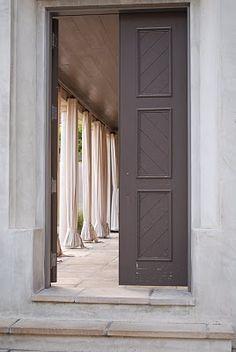 Canvas curtains on the veranda? Exterior Design, Interior And Exterior, Porches, Garage Door Styles, Carriage Doors, Villefranche Sur Mer, Roller Doors, Patio, Backyard