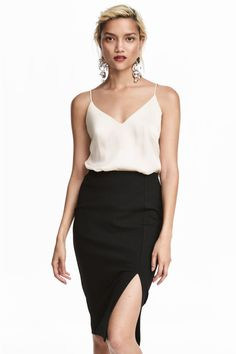 V-neck strappy top - Natural white - Ladies | H&M 1