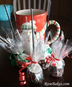 Peppermint Marshmallow Dips for Hot Chocolate  Perhaps I will do this again this Christmas!