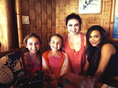 Naya and some fans (holiday in Hawaii)