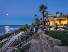 This is my ideal Family Beach House in LA! I really want a family beach house in LA!