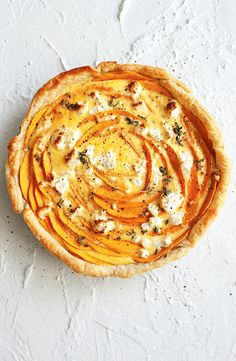 Pumpkin and goats cheese tart Savory Pastry, Savory Tart, Cheese Tarts, Goat Cheese, Tart Crust Recipe, Pumpkin Tarts, Mini Tart, How To Eat Better, Sweet Tarts