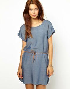 Me encantan los vestidos con cinturón de Sessun ! http://www.modactual.es