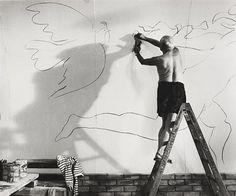 Happy birthday, Pablo Picasso!     Photo: André Villers, Picasso drawing, 1960