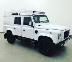 Turning heads for all the right reasons.  #TwistedDefender #Defender #LandRover #LandRoverDefender #Style #4x4 #Lifestyle #Yorkshire #BestOfBritish #Icon #ModernClassic #Modified #Customised #Handmade #Handcrafted #CarThrottle #Automotive #Details #Hibernot by twisted_automotive Turning heads for all the right reasons.  #TwistedDefender #Defender #LandRover #LandRoverDefender #Style #4x4 #Lifestyle #Yorkshire #BestOfBritish #Icon #ModernClassic #Modified #Customised #Handmade #Handcrafted…
