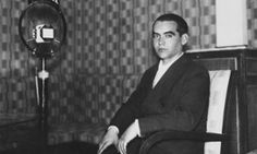 """Federico García Lorca was killed on official orders, say 1960s police files - Newly released documents contain first admission by Franco-era officials of their involvement in 1936 death of Spanish poet & playwright. Documents suggest García Lorca was persecuted for his beliefs, describing him as a """"socialist & a freemason,"""" about whom rumours swirled of """"homosexual & abnormal practices"""". After police carried out 2 searches on his home in Granada, he fled to a friend's house out of fear. In…"""