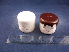 Cracker Barrel Mini Vanilla Chocolate Marshmallow Salt & Pepper Shakers CB03A http://stores.ebay.com/snpshakers