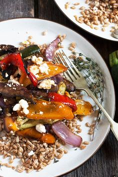 This Roasted Vegetable and Farro salad is a year-round favourite dinner salad, but especially nice when Summer produce is at it's peak. Enjoy warm or at room temperature. Roasted Vegetables With Chicken, Roasted Vegetable Recipes, Summer Vegetable Recipes, Summer Recipes, Veggie Side Dishes, Vegetable Sides, Rice Dishes, Roasted Vegetables Barefoot Contessa, Farro Salad