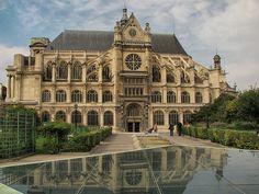 L'église Saint-Eustache is a church in the 1st arrondissement of Paris, built between 1532 and 1632.